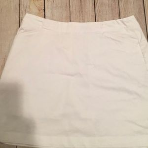 Women's White Nike Golf Skort (8/M)